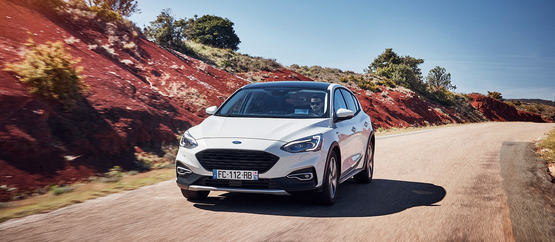 2019_ford_focus_active_france_001