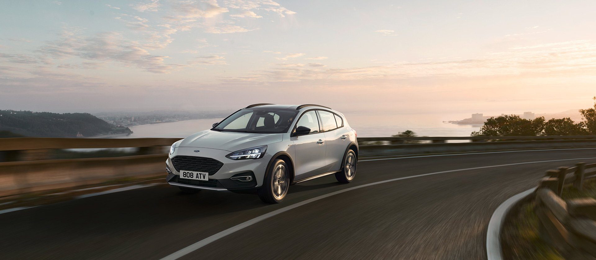 ford_2018_focus_active__16
