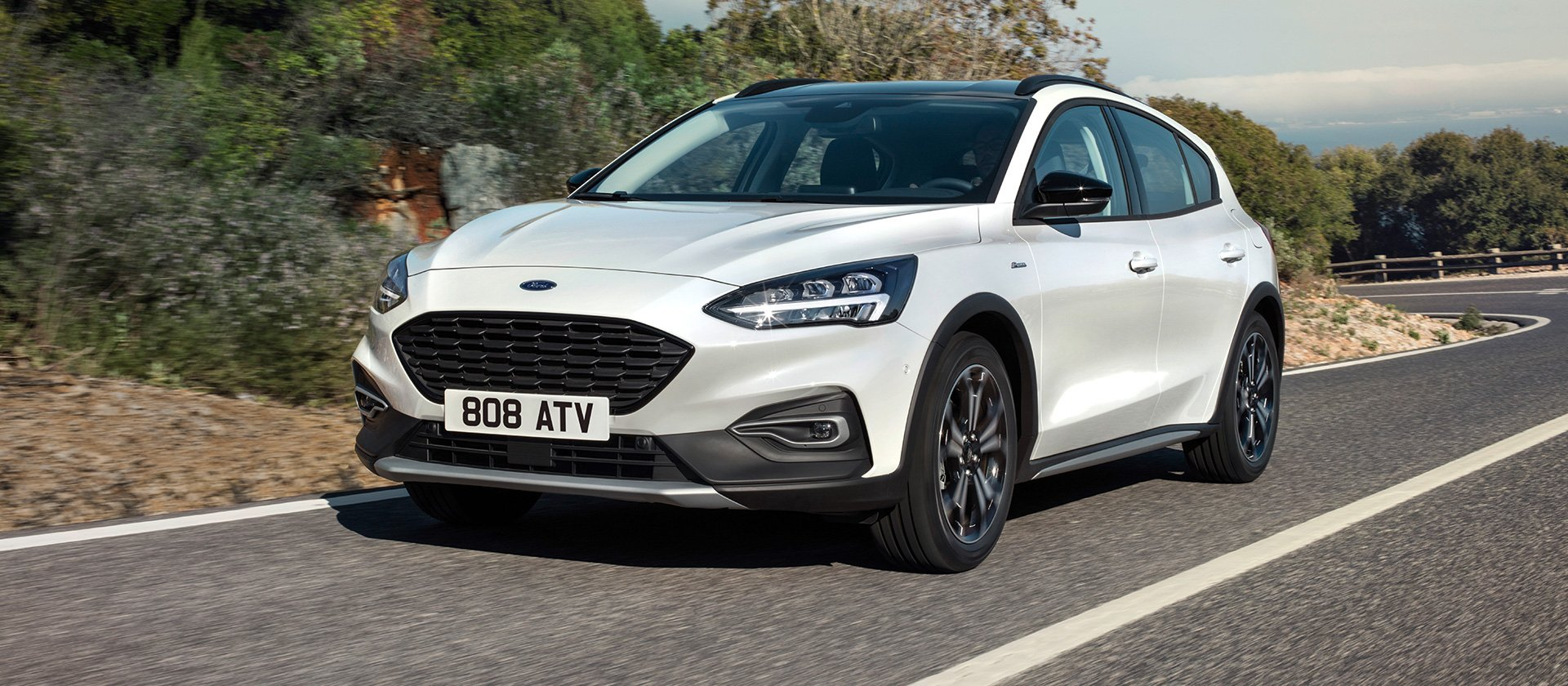 ford_2018_focus_active__23