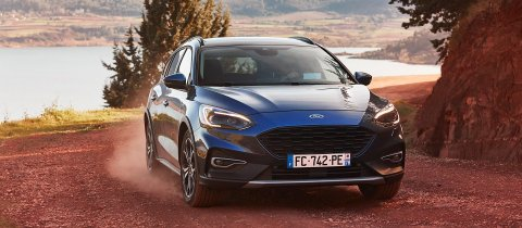 2019_ford_focus_active_france_007