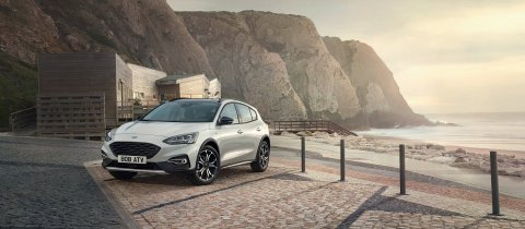 ford_2018_focus_active__04