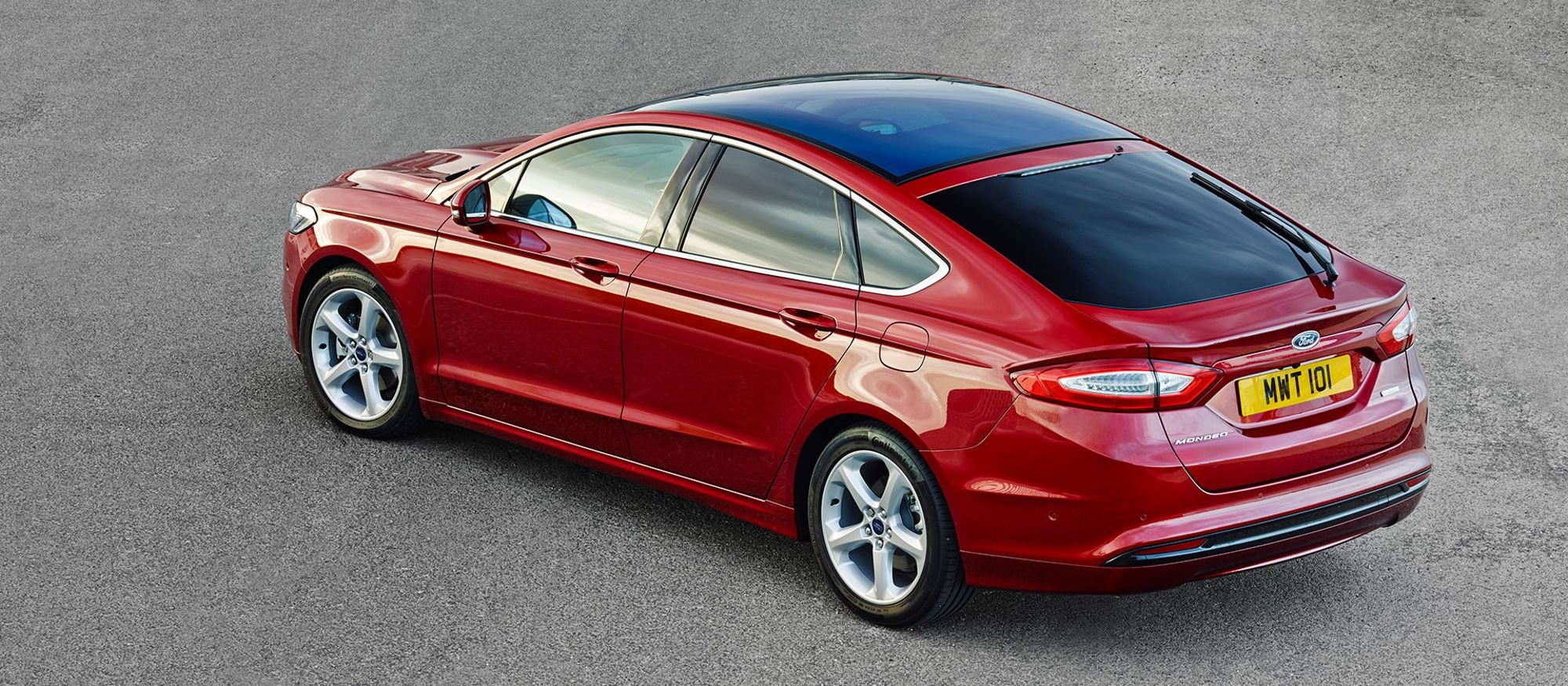ford_mondeo_5d_07
