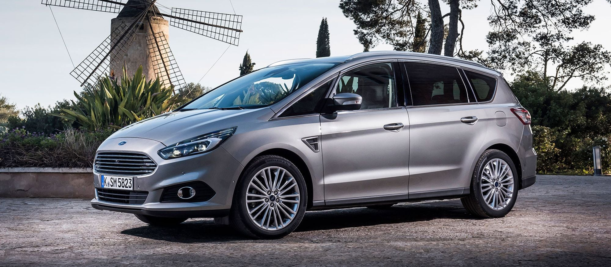 ford_s_max_01
