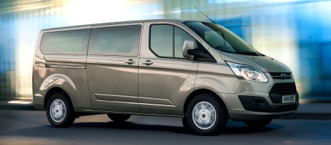 ford_tourneo_custom_03